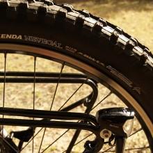 """KENDA Nevegal John Tomac Signature Series 26×2.7"""" Tire"""